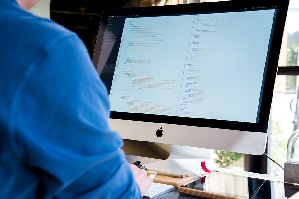 בניית אתר כחלק מאסטרטגיה של ניהול מוניטין באינטרנט